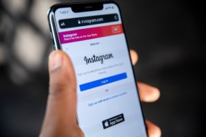 How to hide likes and views in Instagram posts